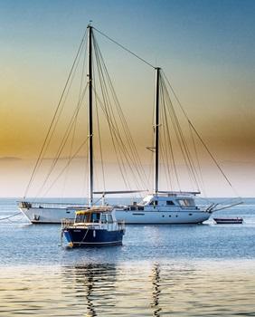 Eine Yacht chartern - Traumurlaub auf dem Meer